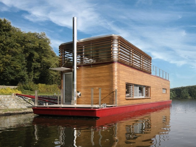 Live-off-The-Land-15-Gorgeous-Floating-Houseboats-12